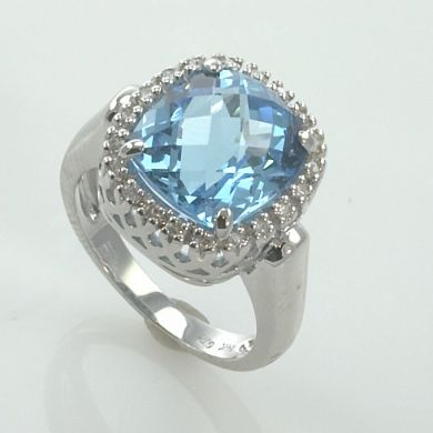 VINTAGE LONDON BLUE TOPAZ DIAMOND GOLD COCKTAIL RING
